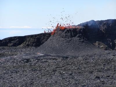 Comment faire Volcano Chemicals Utilisation du vinaigre et du bicarbonate de soude