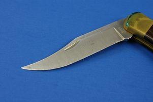 Comment travailler un couteau papillon Balisong