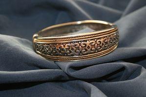 Comment réparer une fissure dans un Cuff Bracelet Argent