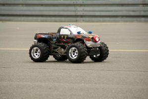 Comment couper des pneus en mousse dans un Rock Crawler RC