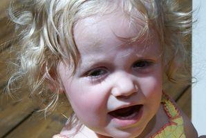 Comment donner une huile minérale Toddler