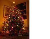 Comment faire pour mettre lumières sur un arbre de Noël artificiel