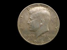 Qu'est-ce qu'un Kennedy 1964 Half Dollar Worth?