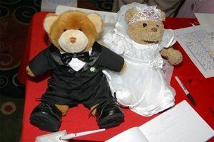 Fleur de mariage fille et Ringbearer Cadeaux
