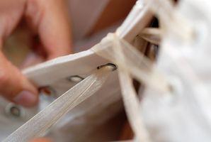 Comment modifier une robe de mariée à la ceinture