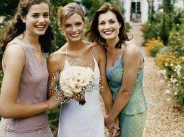Comment créer un Aisle de mariage dans un jardin