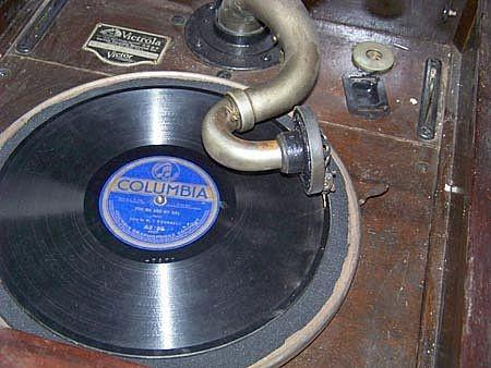 Comment jouer 78 RPM Records sur un Victrola Antique