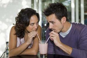 Comment flirter avec succès avec un Guy