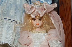 Comment identifier une poupée en porcelaine