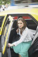 Comment éviter l'électricité statique ou de choc statique tout en obtenant d'une voiture