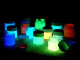 Comment faire Glow dans l'encre noir