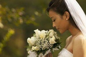 Calla Lilies & Roses blanches comme fleurs de mariage
