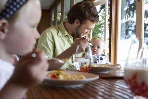 Les aliments pour nourrir une 8-mois-vieux bébé sans dents