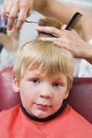 Comment obtenir un enfant de rester assis pendant un Haircut