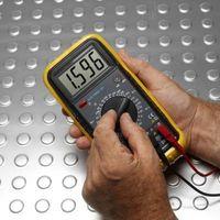 Comment tester Amps Avec un multimètre