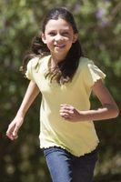 Quelles sont les deux compétences physiques de fin de l'enfance?