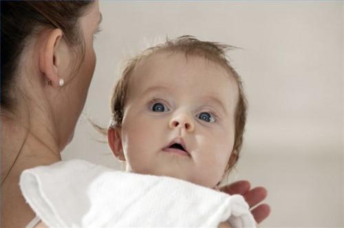 Comment soulager le gaz d'un bébé