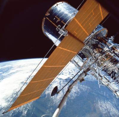 Satellites Ce orbite autour de la Terre et de scientifiques autorisés à étudier le Soleil
