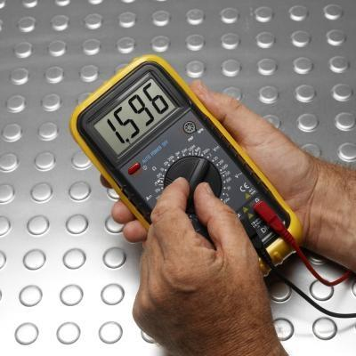 Quel type de tension ne un multimètre Read?