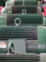 Utilise des moteurs à courant alternatif